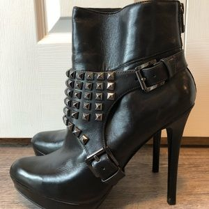 MICHAEL KORS ROCKSTUD Black Ankle boots 9.5